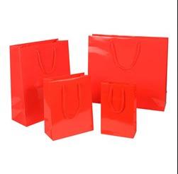 Hochganz Glänzend Lack-Optik Exklusiv hochwertig glamourös Transportieren Papiertragetasche Papiertasche Einkaufstaschen Werbemittel unbedruckt Papier nachhaltig umweltbewusst stabil günstig preiswert langlebig kompetent viele Größenformate schnelle Lieferung Rot